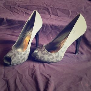 Nine West Escher Pumps
